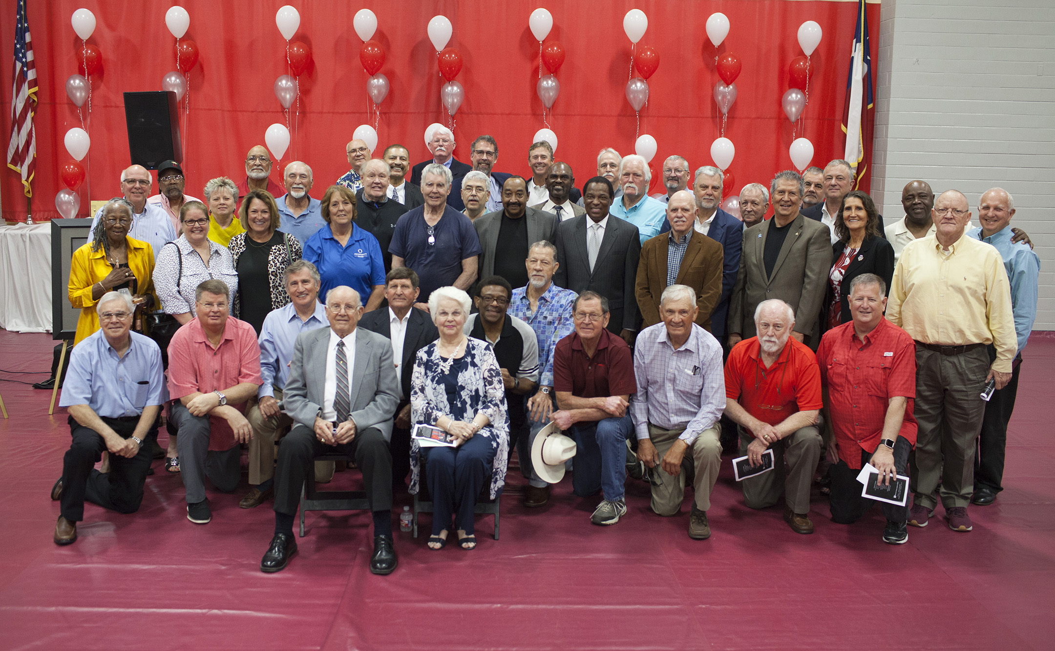 GENE BAHNSEN GYMNASIUM - WCJC names gym in honor of longtime athletic director and coach